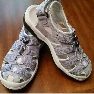L.L. Bean sz8 women's sturdy comfortable sandals